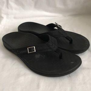 VIONIC Patty flip flop- black-EUC- size 9